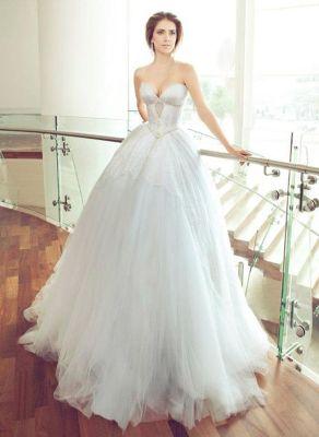 Glamorous wedding dress
